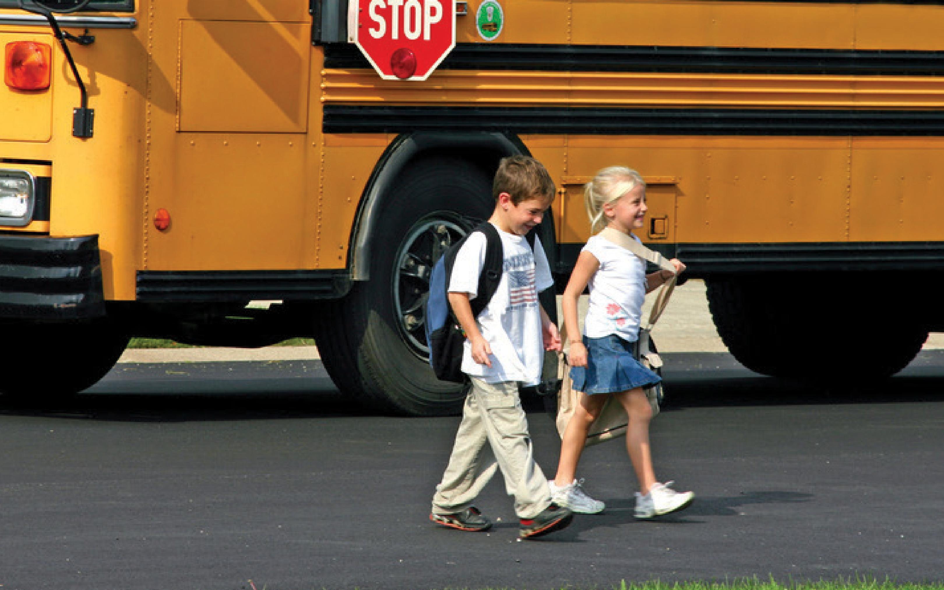 kids walking home frmom school